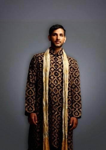 Deepak-Perwani-Mehndi-Dresses-for-Grooms (4)
