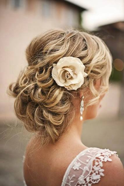Engagement-Bridal-Hairstyles (19)