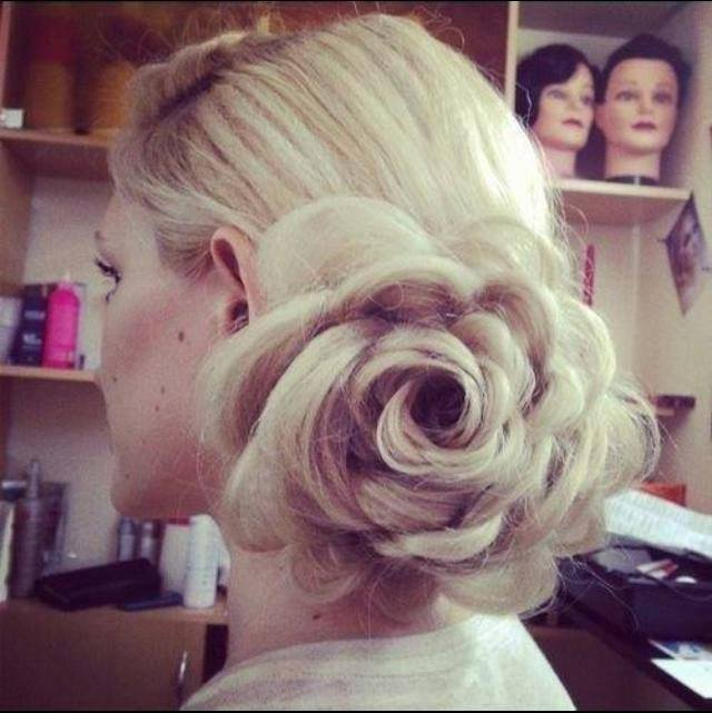Engagement-Bridal-Hairstyles (21)