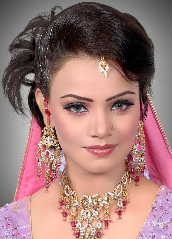 Engagement-Bridal-Hairstyles (47)
