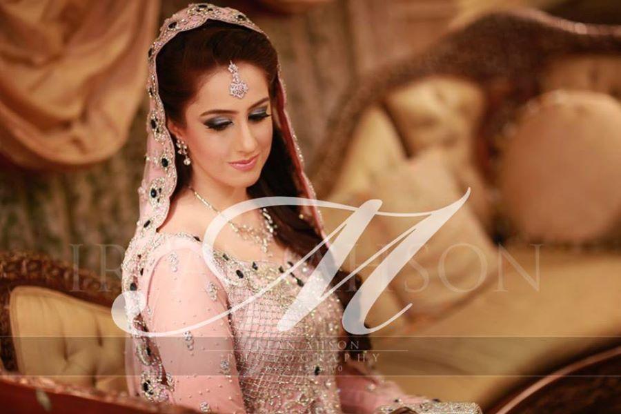 Engagement-Make-up-ideas-for-Brides (15)