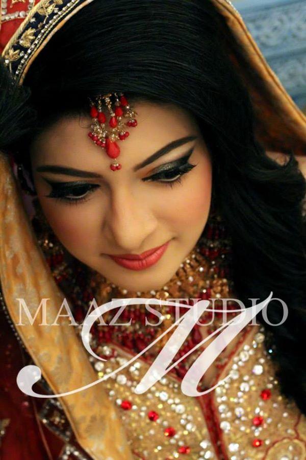 Engagement-Make-up-ideas-for-Brides (30)