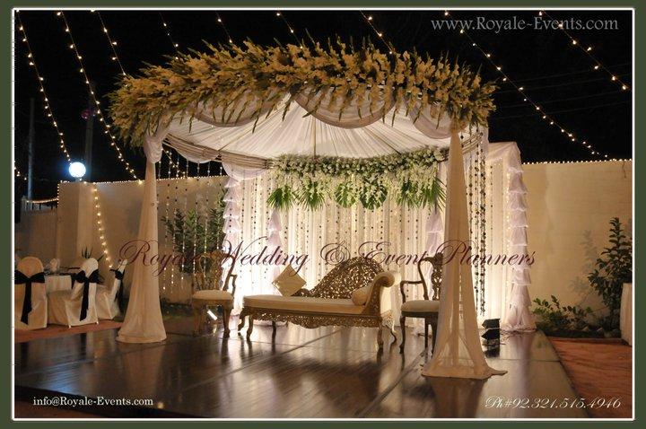 Engagement-Stage-Decoration-ideas (13)