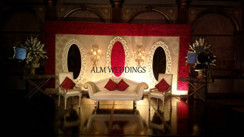Engagement-Stage-Decoration-ideas (45)