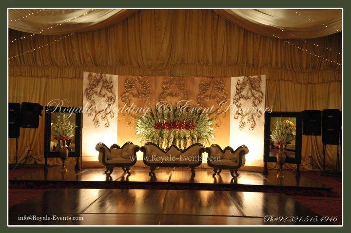 Engagement-Stage-Decoration-ideas (5)