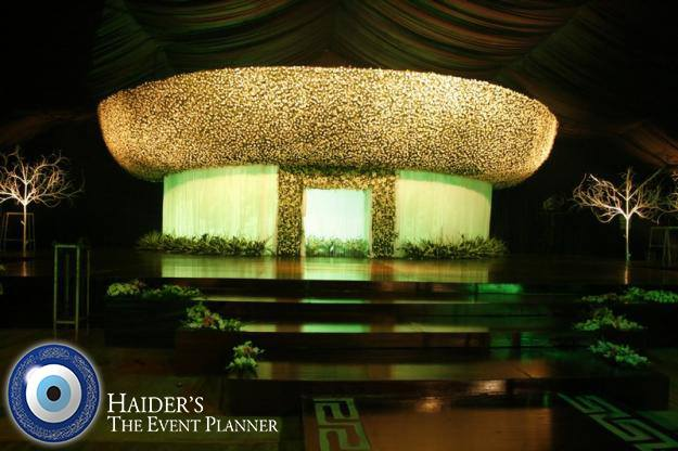 Engagement-Stage-Decoration-ideas (63)