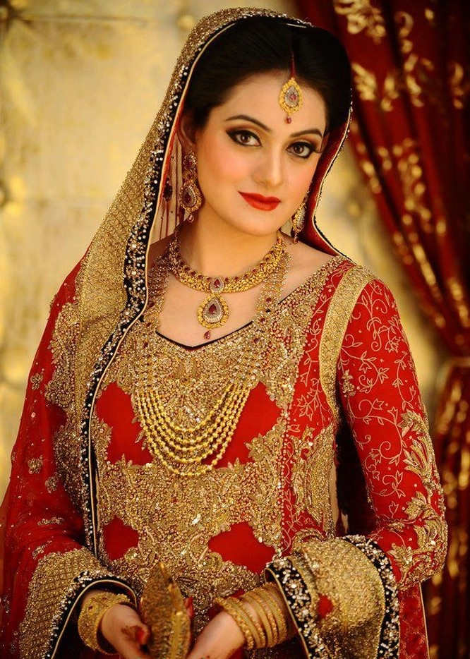Fresh Red Bridal Dress with Golden Embroidery