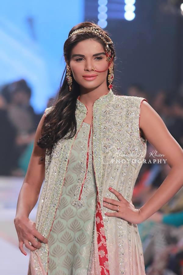 Nadia-Chhotani-Bridal-Jewellery-Pantene-Bridal-Couture-Week (3)