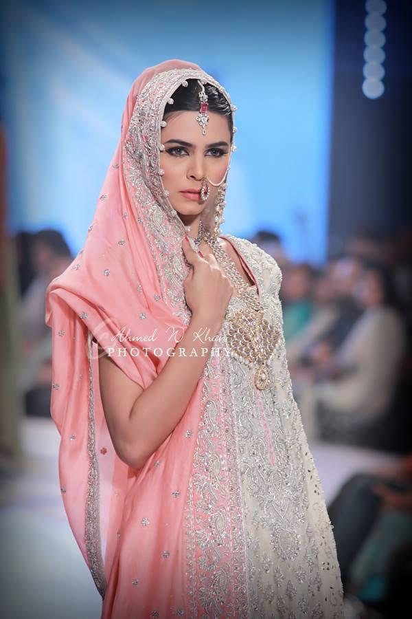 Nadia-Chhotani-Bridal-Jewellery-Pantene-Bridal-Couture-Week (5)