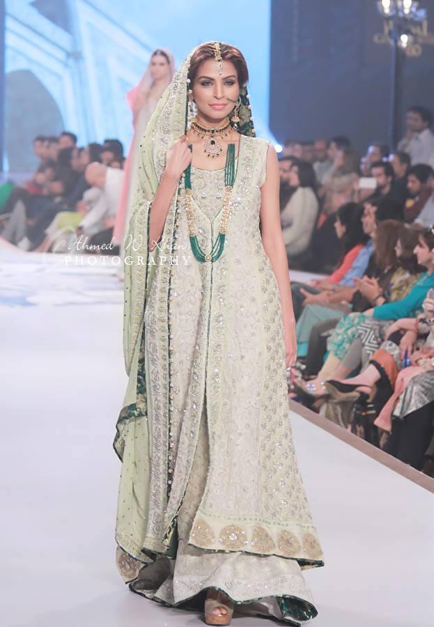 Nadia-Chhotani-Bridal-Jewellery-Pantene-Bridal-Couture-Week (8)