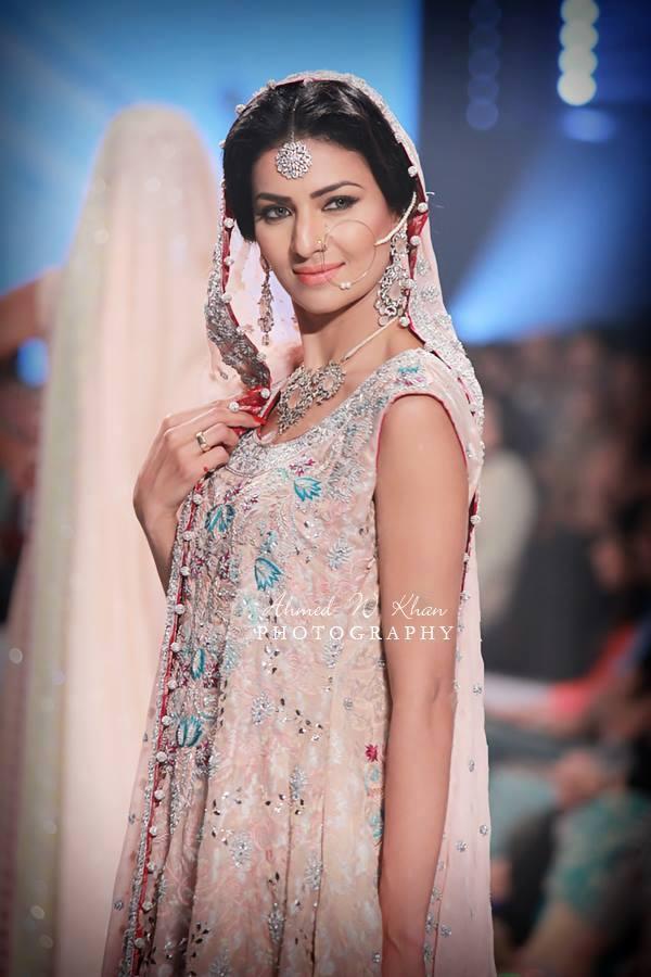Nadia-Chhotani-Bridal-Jewellery-Pantene-Bridal-Couture-Week (9)
