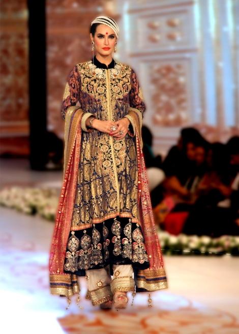 Party-Wear-Dresses-by-Deepak-Perwani (10)