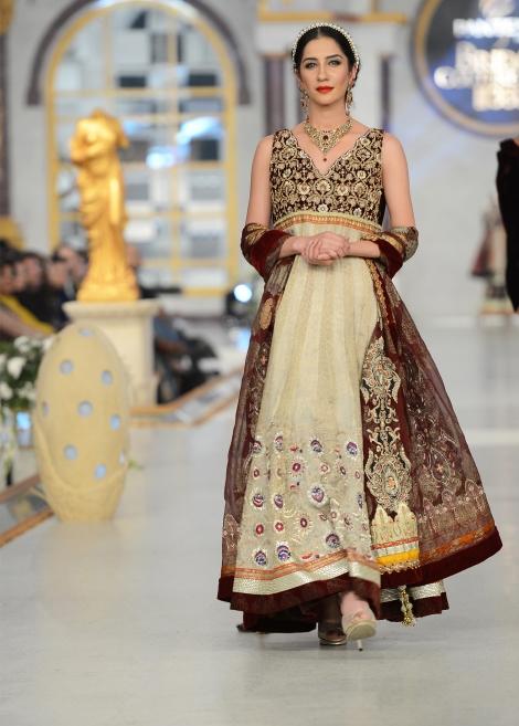 Party-Wear-Dresses-by-Deepak-Perwani (4)