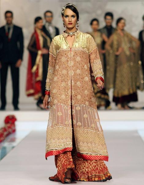 Party-Wear-Dresses-by-Deepak-Perwani (5)