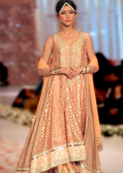Party-Wear-Dresses-by-Deepak-Perwani (7)