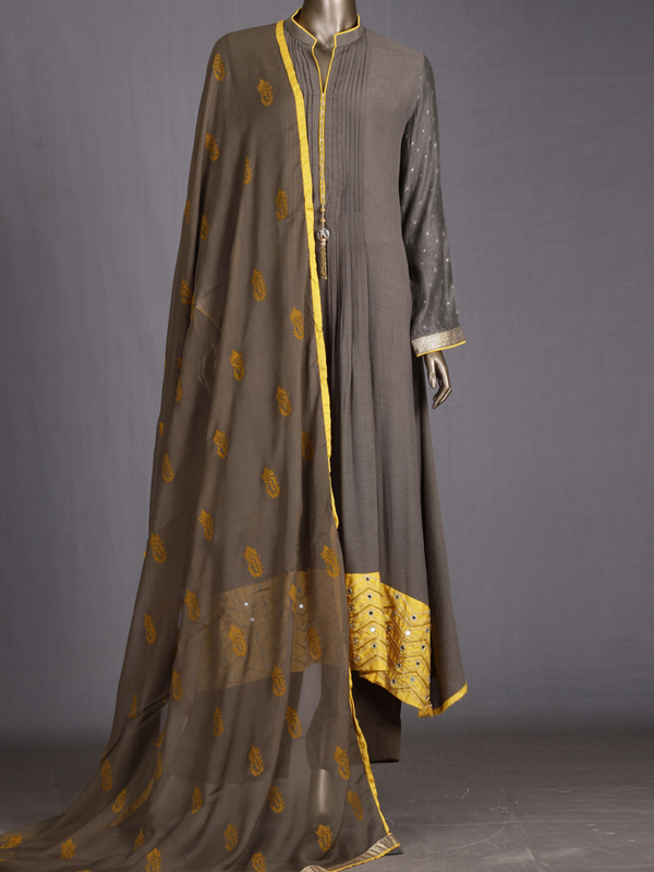 Party-wear-dresses-by-Junaid-Jamshed (4)
