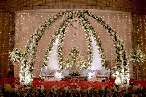 Stage-Decoration-ideas-for-Barat-Function (1)