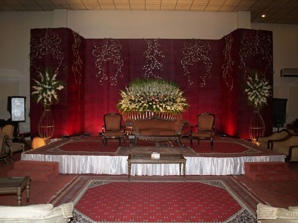 Stage-Decoration-ideas-for-Barat-Function (10)