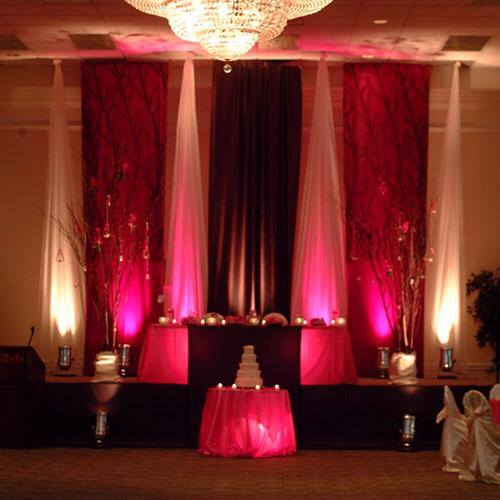 Stage-Decoration-ideas-for-Barat-Function (2)
