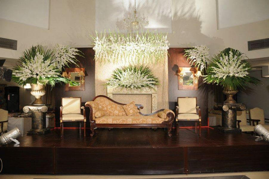 Stage-Decoration-ideas-for-Barat-Function (3)
