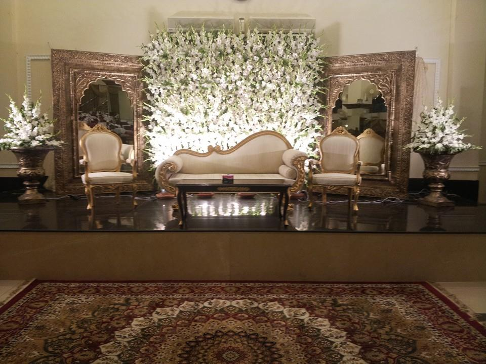 Stage-Decoration-ideas-for-Barat-Function (4)
