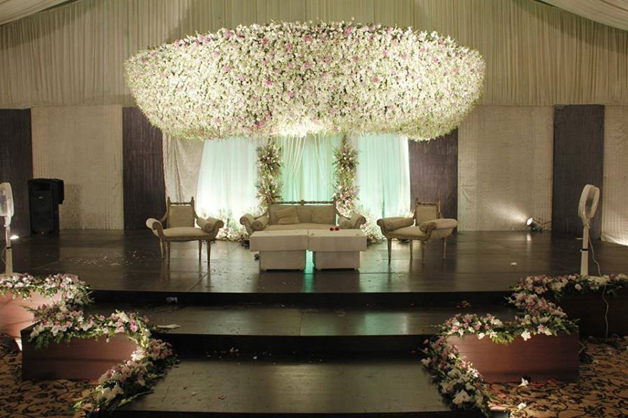 Stage-Decoration-ideas-for-Barat-Function (5)