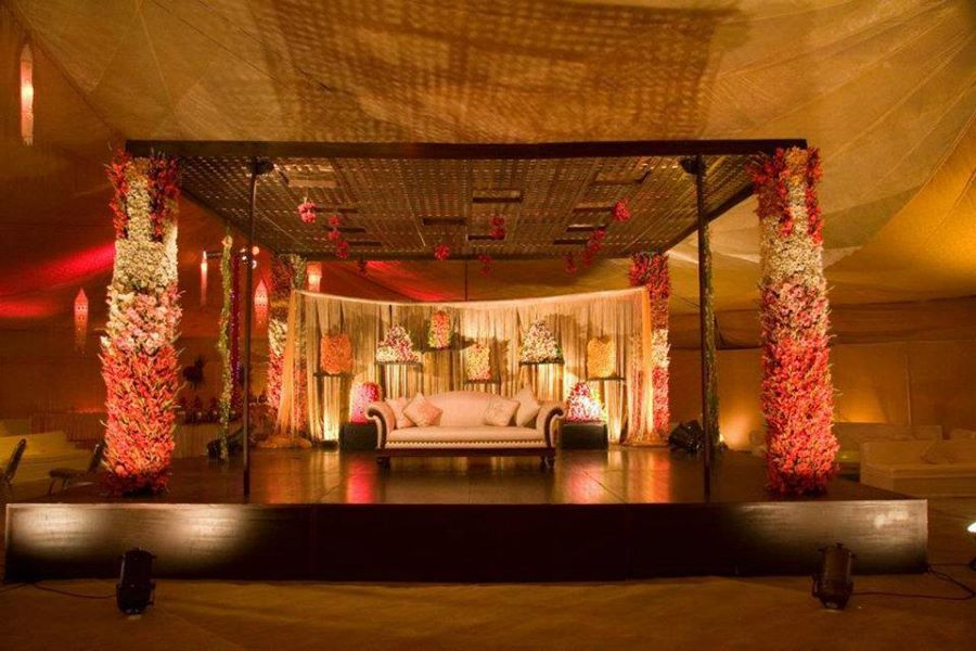 Stage-Decoration-ideas-for-Barat-Function (6)