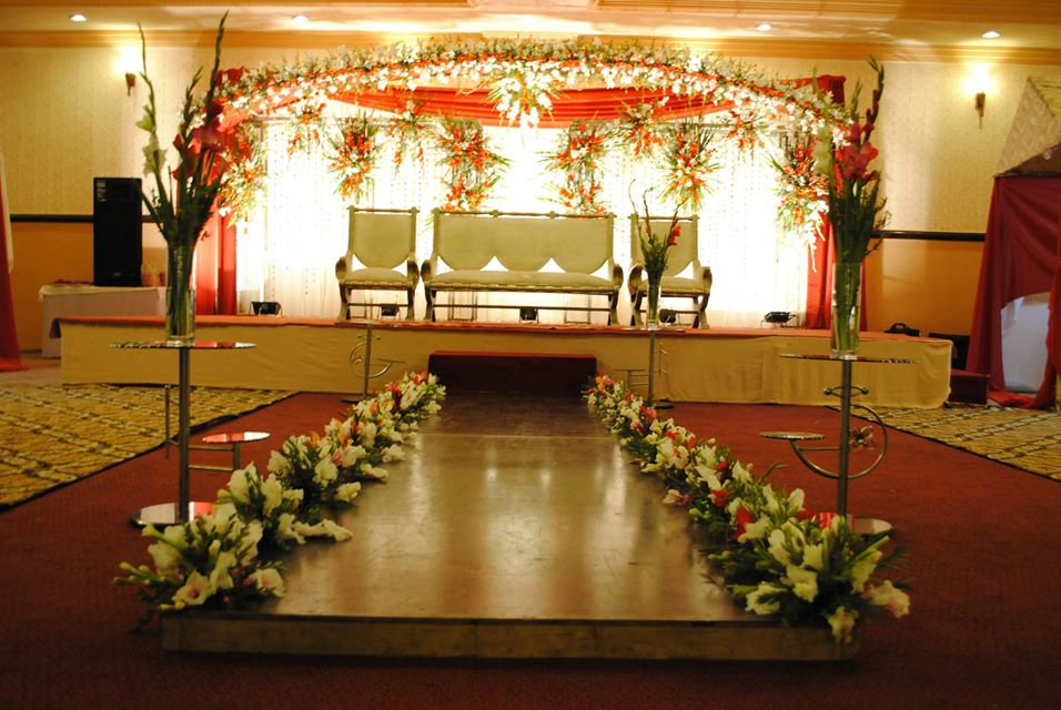 Stage-Decoration-ideas-for-Barat-Function (8)