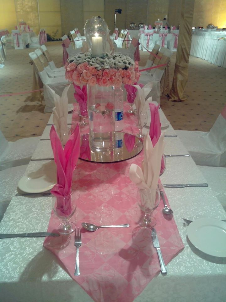 Stage-Decoration-ideas-for-Walima-Functions (11)