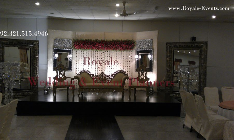 Stage-Decoration-ideas-for-Walima-Functions (5)
