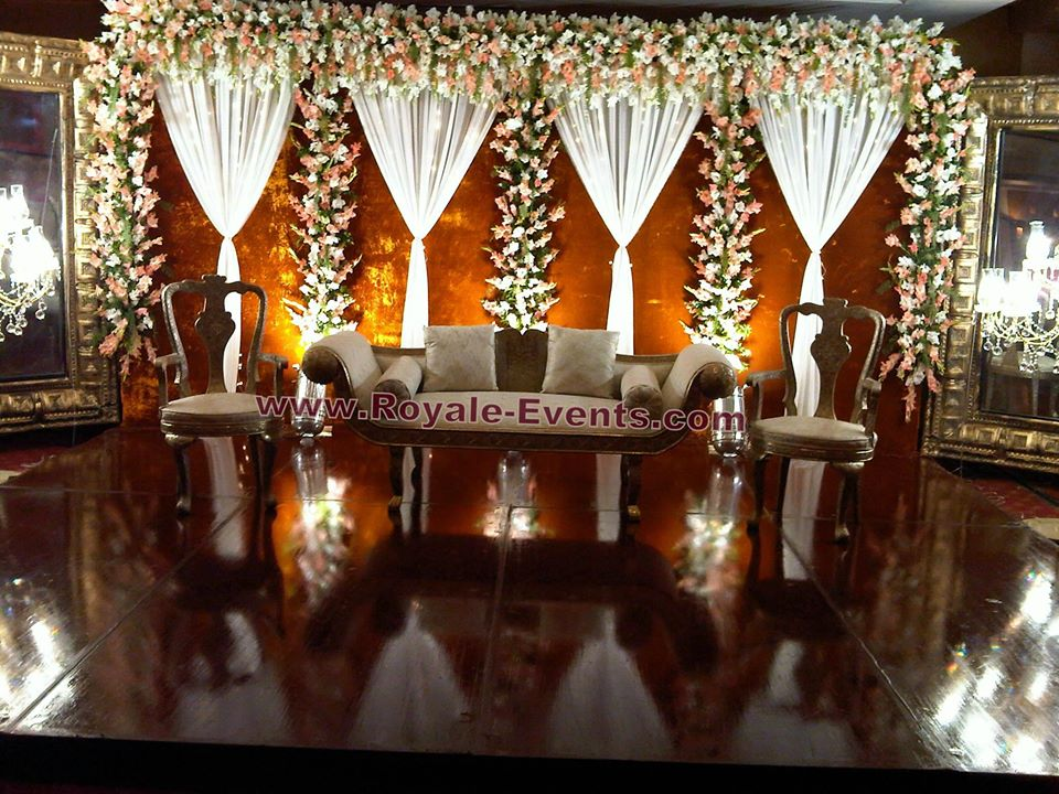 Stage-Decoration-ideas-for-Walima-Functions (7)