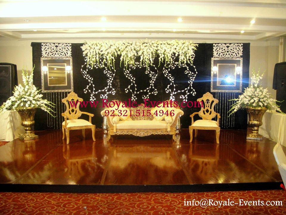 Stage-Decoration-ideas-for-Walima-Functions (8)