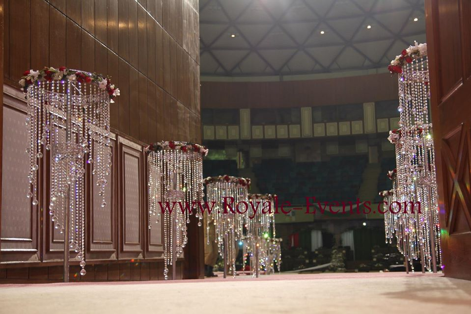 Stage-Decoration-ideas-for-Walima-Functions (9)