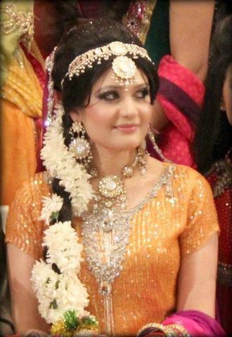 Wedding-Bridal-Hairstyles (22)