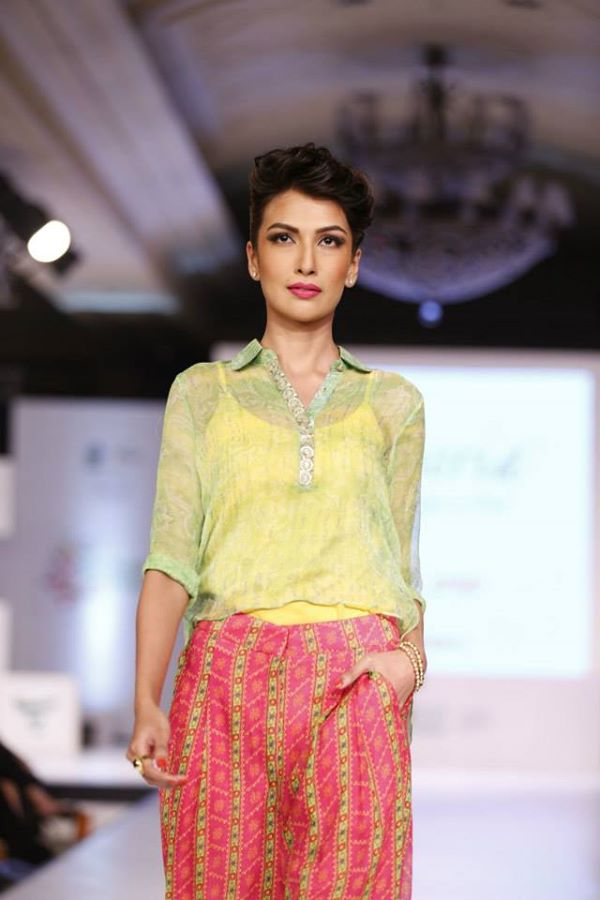 Kayseria-Delhi-Pop-Party-Wear-Collection-at-Taj-Palace-Hotel (1)