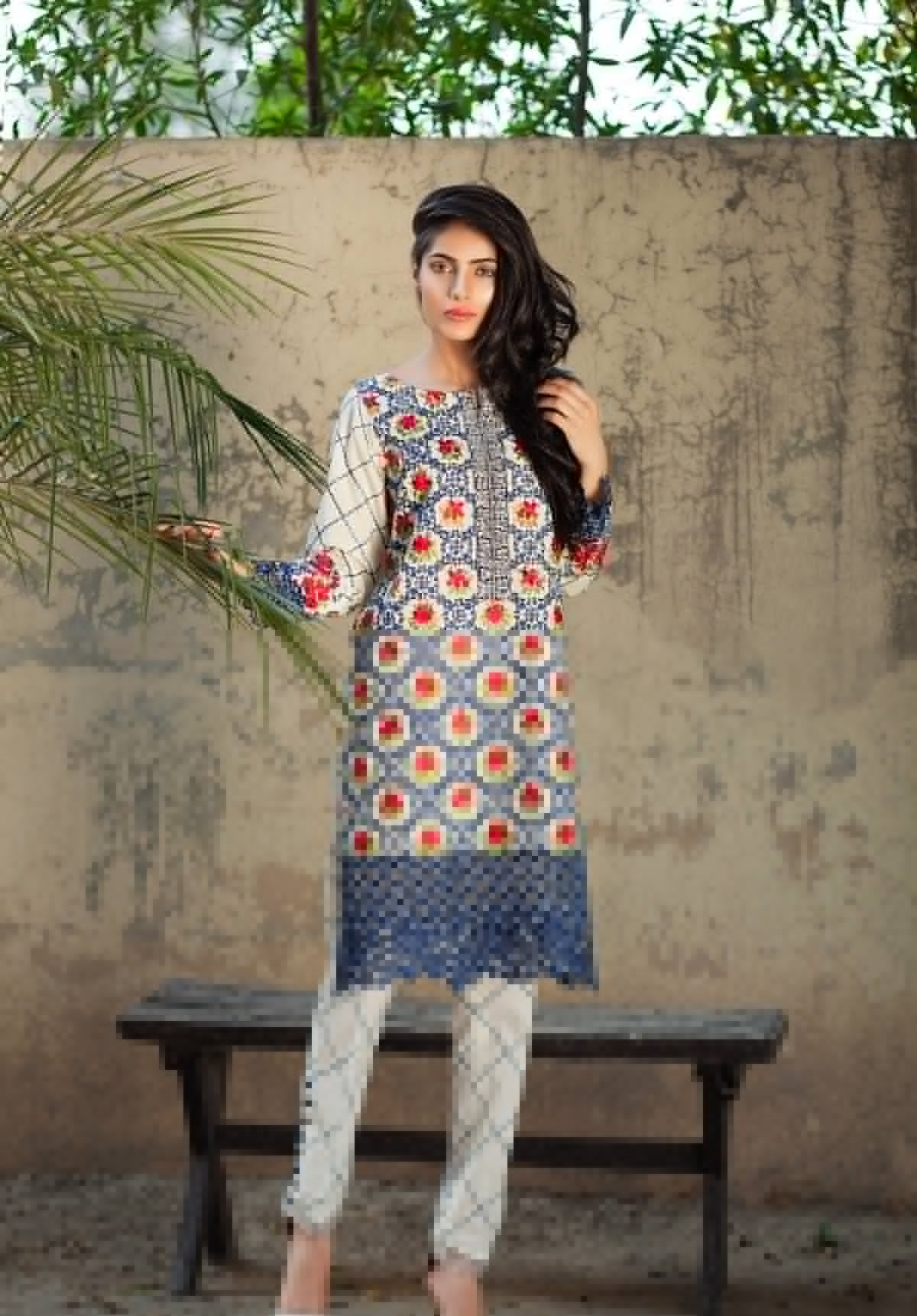 Mausummery-Eid-Dresses-2016-2017-catalogue (13)