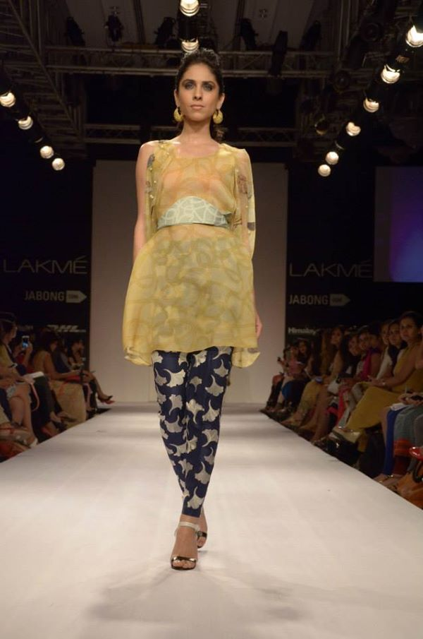 Sania-Maskatiya-Sakura-collection-at Lakme-Fashion-Week-2014 (10)