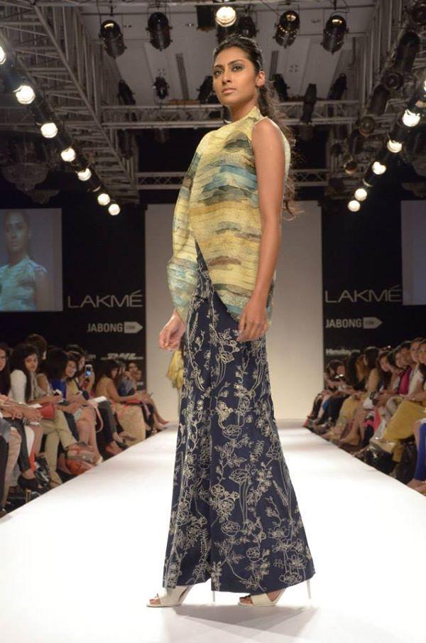 Sania-Maskatiya-Sakura-collection-at Lakme-Fashion-Week-2014 (11)