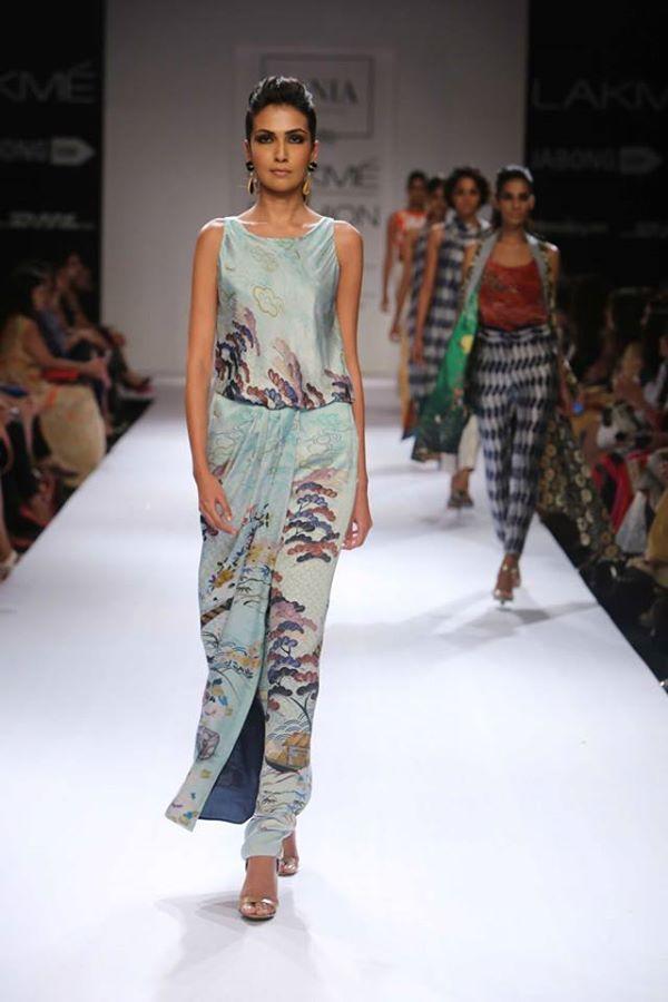 Sania-Maskatiya-Sakura-collection-at Lakme-Fashion-Week-2014 (2)