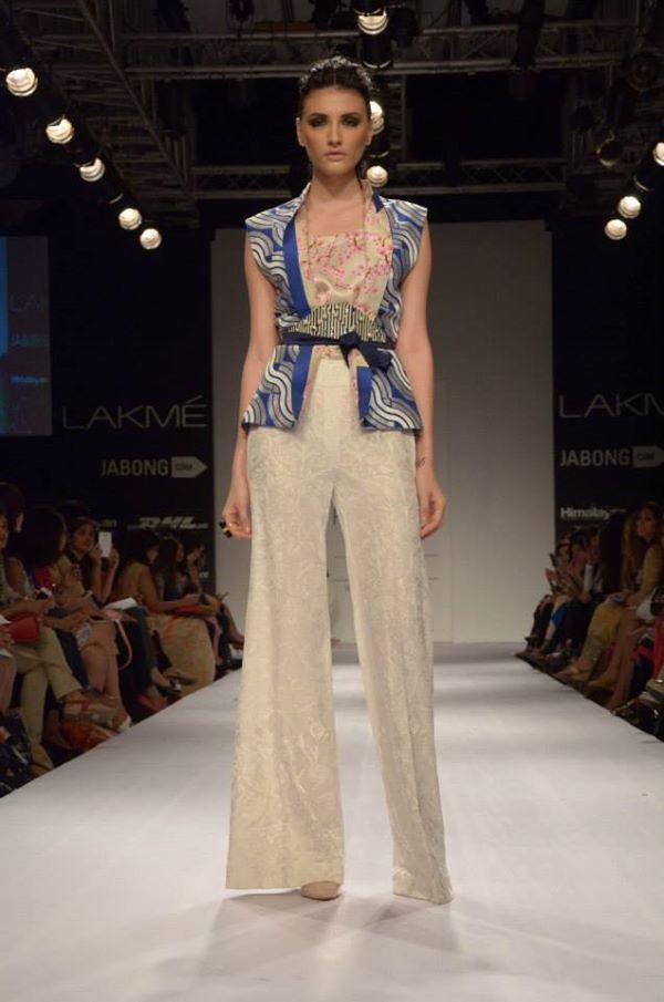Sania-Maskatiya-Sakura-collection-at Lakme-Fashion-Week-2014 (3)