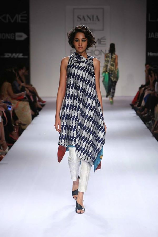 Sania-Maskatiya-Sakura-collection-at Lakme-Fashion-Week-2014 (5)