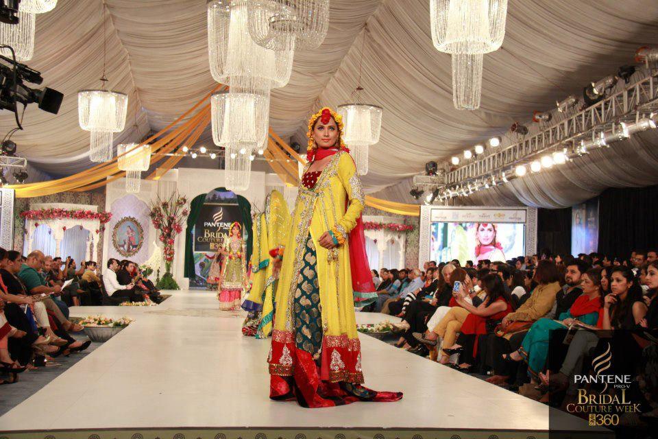 Yellow-Bridal-Mehndi-Dresses (12)