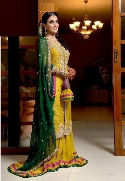 Yellow-Bridal-Mehndi-Dresses (5)