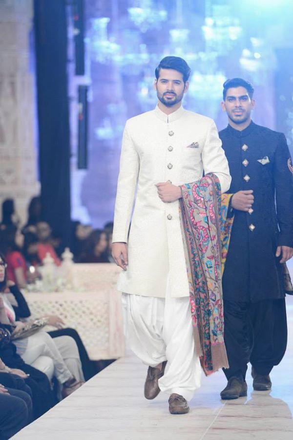 Zara-Shahjahan-Collection-at-pfdc-L'Oreal-Paris-Bridal-Couture-Week (15)