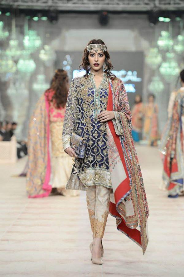 Zara-Shahjahan-Collection-at-pfdc-L'Oreal-Paris-Bridal-Couture-Week (21)