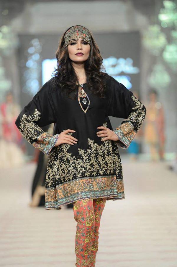 Zara-Shahjahan-Collection-at-pfdc-L'Oreal-Paris-Bridal-Couture-Week (6)