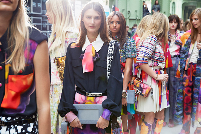 chanel-spring-summer-2015-ready-to-wear-backstage-view (1)