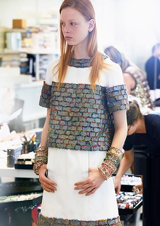 chanel-spring-summer-2015-ready-to-wear-backstage-view (9)
