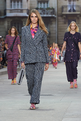 chanel-spring-summer-2015-ready-to-wear-looks-01