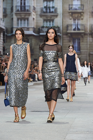 chanel-spring-summer-2015-ready-to-wear-looks-07